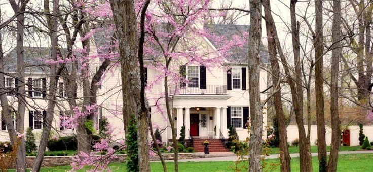 A Storybook Inn | Lexington Kentucky Bed and Breakfast [~2 hr 45 min]