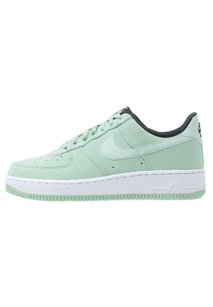 Nike Sportswear AIR FORCE 1 '07 SEASONAL Tenisówki i Trampki enamel green