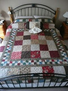 This is a beautiful country quilt. It looks easy to do!