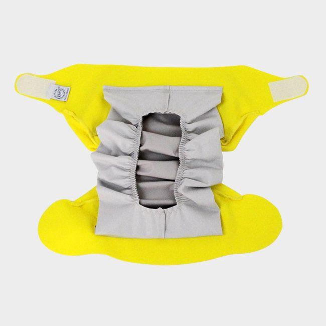 UtilisationLa couche lavable Hamac, c'est facile !Glissez l'absorbant dans la poche étanche de la couche, posez un voilejetable dessus...la couche est prête ! Au moment du change, jetez le voile sali, mettez l'absorbant à la machine (stockage à sec), la couche peut être lavée ou ré-utilisée.Elle peut être utilisée dès la naissance, vous n'avez plus qu'à choisir la taille adaptée, et votre couleur préférée !Pour démarrer Hamac en douceur, nous vous conseillons de commencer avec le kit d'e...
