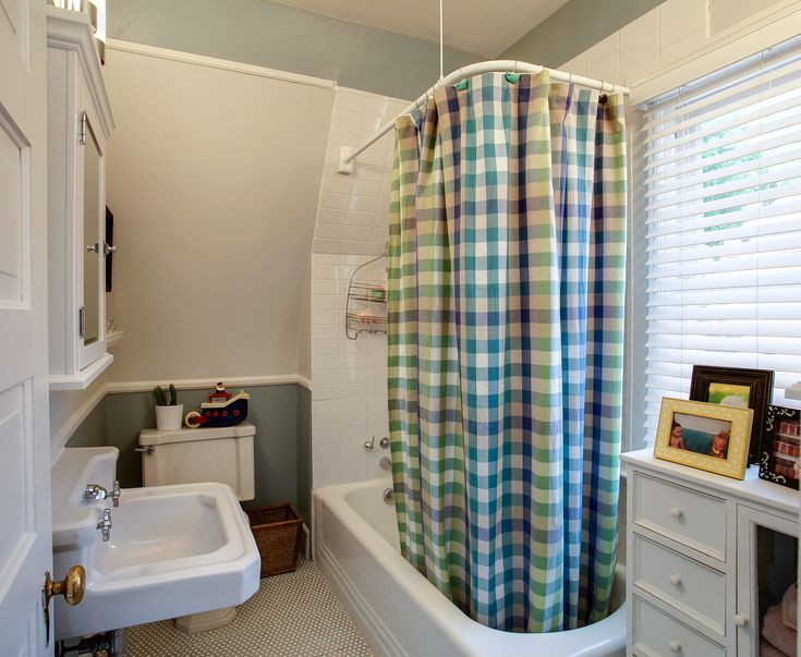 Images On Admirable Kids Bathroom Design with Patterned Shower Curtain and Modern White Bathtub also Cool White Washbasin