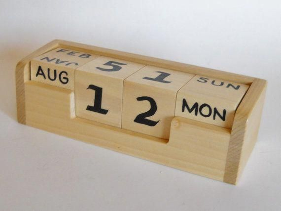 Natural Wood Perpetual Desk Calendar Cube with Month Day Blocks /& .. New Date