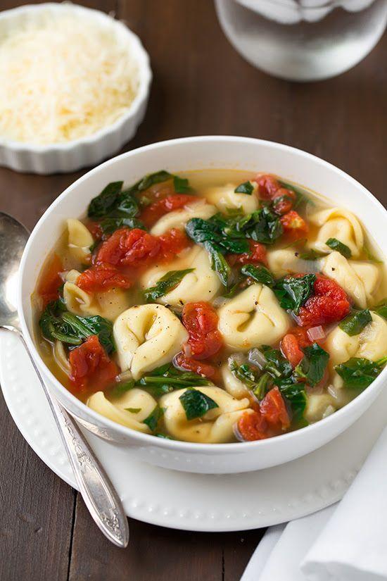 Fresh Spinach Tomato and Garlic Tortellini Soup