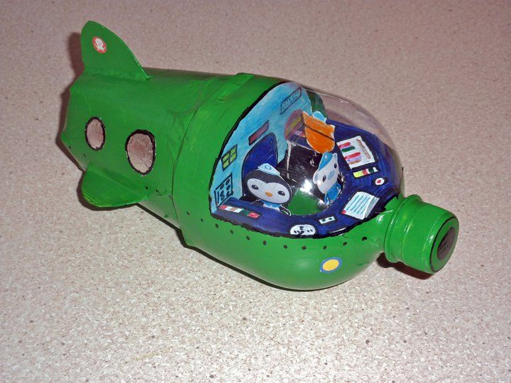 Octonauts - soda bottle toy submarine. Great idea! Now I need to find someone who drinks soda!