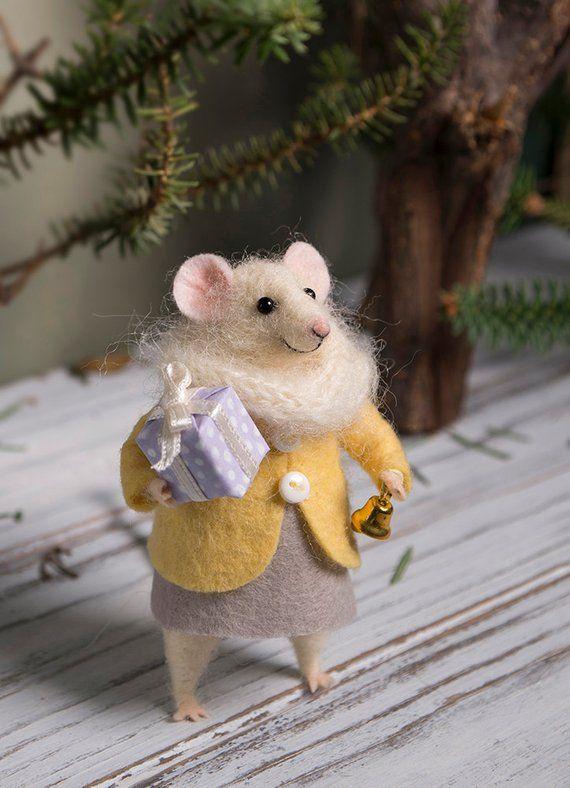 Nadel Gefilzte Maus Woolen Maus Maus Mit Einem Geschenk Art Etsy Felt Mouse Felt Animals