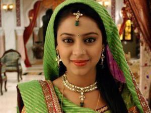 Pratyusha Banerjee backs new Anandi aka Toral Rasputra