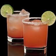 Ингредиенты:  водки 50 мл грейпфрутовый сок 70 мл соль лед  Гарнир:  долька грейпфрута или лимона  Приготовление: Заполнить стакан (рокс) кубиками льда. Добавь водку и грейпфрутовый сок