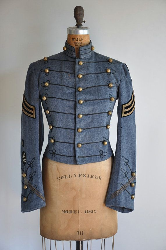 1930's military style jacket. I can see an airship captain wearing something like this. (for looking at stripes)