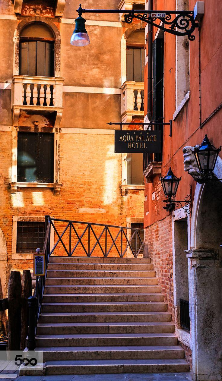 Venice, Italy...romantic as life should be...Italia...
