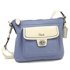COACH F45012 Leather pocket Swingback is going up for auction at  5pm Tue, May 14 with a starting bid of $1.