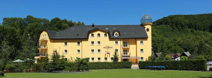 Seminární Hotel Akademie - Hlubočky u Olomouce  hruba-voda.hotelakademie.cz Hotel 3*