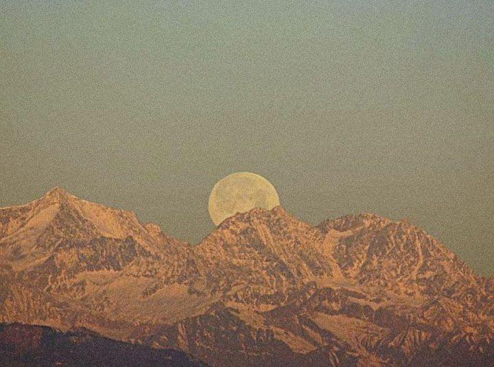 SUGARHIGH + LOVESTONED: Desserts Moon, Desert Mountain, Loveston, Moon Shades, Magnif Moon, Mountain Desert, Moon Photography, Beauty Outdoor, Badland