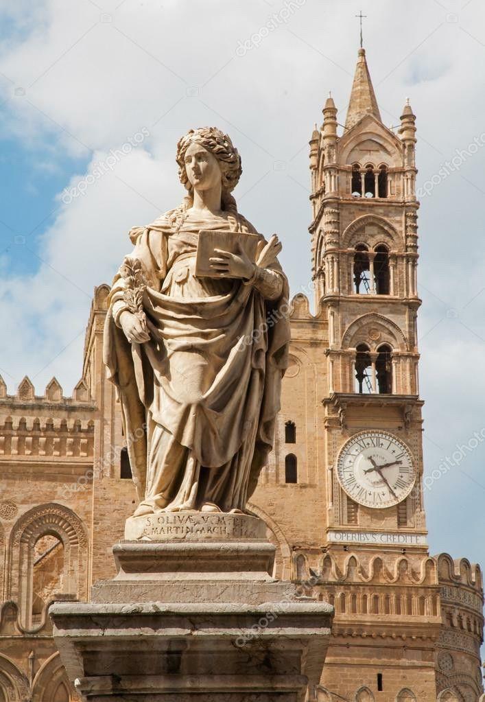 Palermo - statua di Santa Olivia nel Duomo