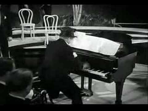 Harpo Marx plays Wreckmaninoff - YouTube