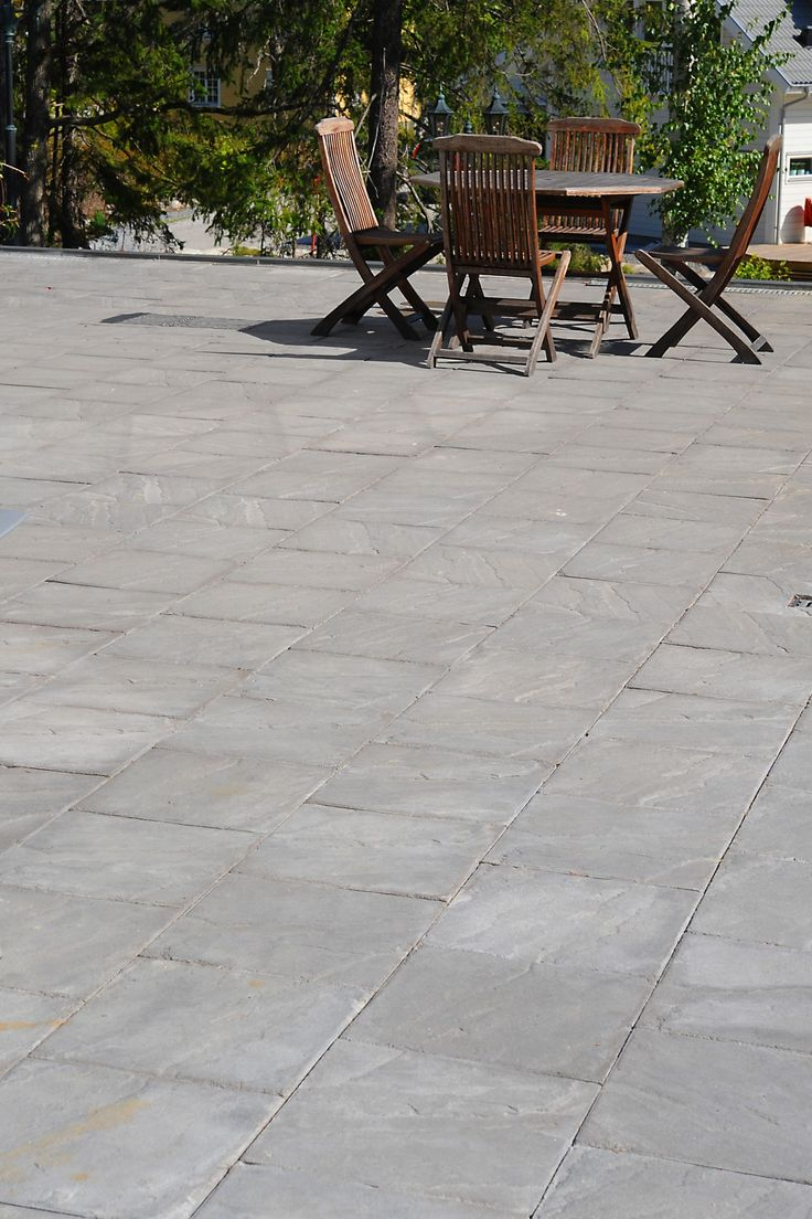 Oxford patina är en betongplatta som blir vacker på din uteplats. #betongplattor