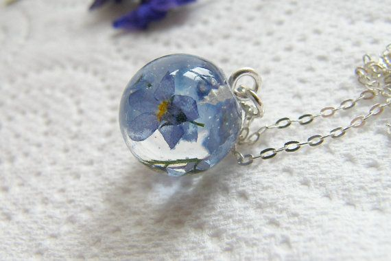 Crystal clear resin jewels by Ana Cristina Rînea on Etsy