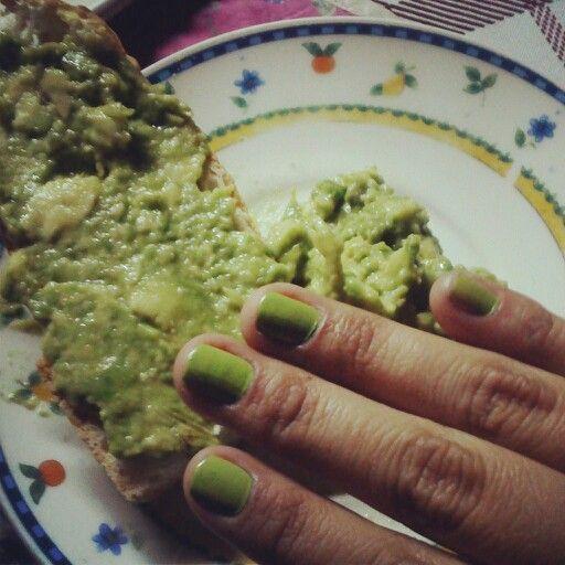 Green nails !!! #nails #pretty