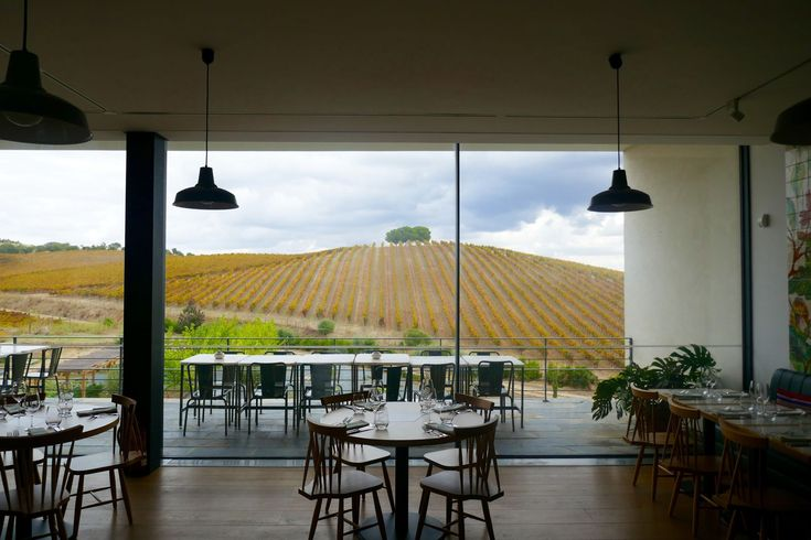 Have Lunch (and Some Wine) at Quinta do Quetzal - HarpersBAZAAR.com