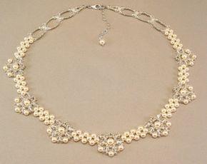 Collar de novia lágrima en cascada crema perla por BridalDiamantes