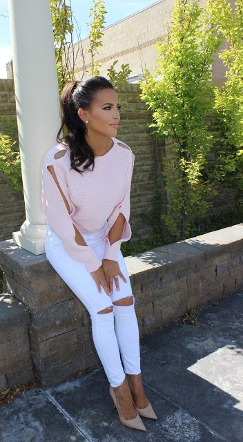 SOFT PINK SWEATER, WHITE JEANS, NUDE PUMPS FALL STYLE BELLAMI HAIR, DOWNEAST BASICS, MAURIE & EVE, THEORY, TOPSHOP,FARROW. Fashion blogger @sarahnelizabeth