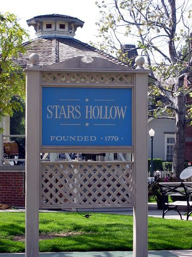 If I could live anywhere...real or fake. Stars Hollow, CT (thanks, Gilmore Girls)