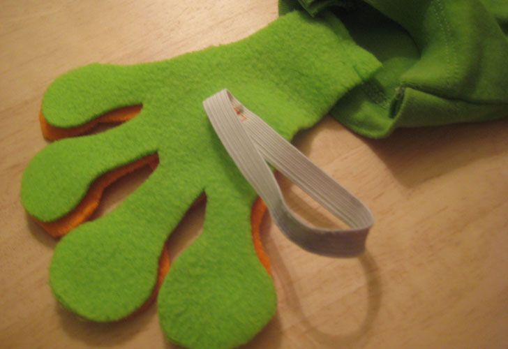HOW TO: Make an Easy Eco-Friendly Frog Halloween Costume