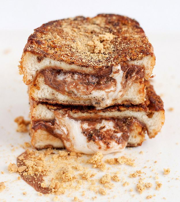 S'more Stuffed French Toast | 14 Best French Toast Recipes | Make Your Mornings Perfect With These Delicious French Toast Recipes by Homemade Recipes at http://homemaderecipes.com/quick-easy-meals/best-french-toast-recipes/
