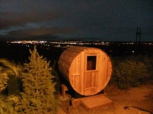 Thank you to Alan in Colorado Springs, Colorado for these stunning photos. This Almost Heaven Barrel Sauna has an unbelievably cool view!