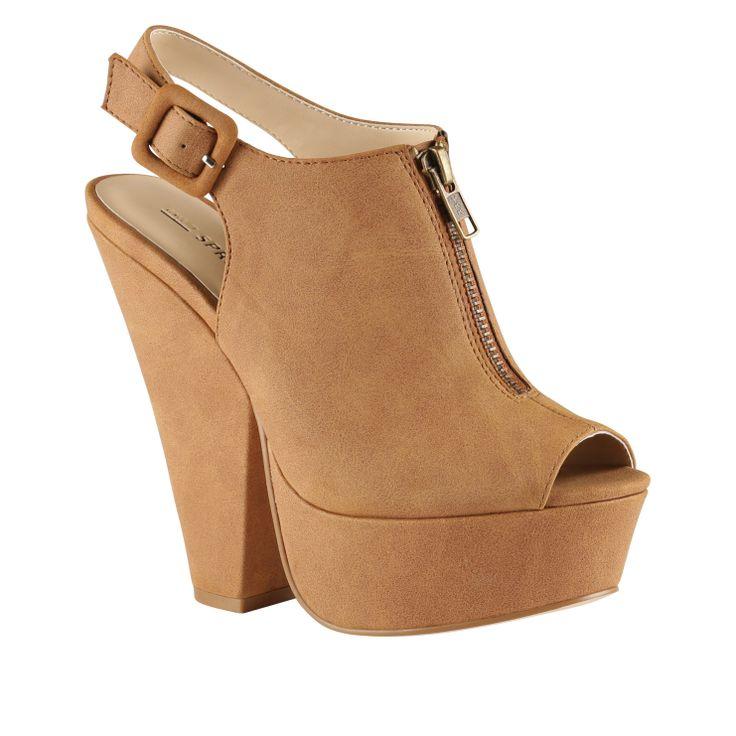 http://www.callitspring.com/us/women/sandals/