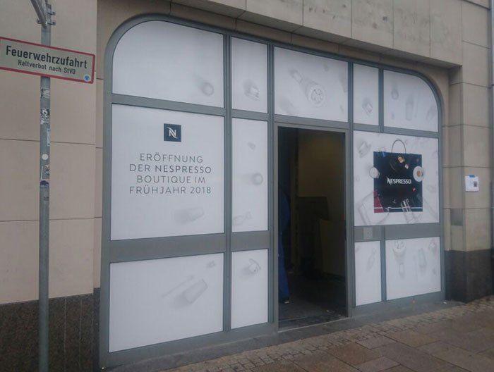 Schaufensterfolierung für Nespresso- Boutique in Wiesbaden
