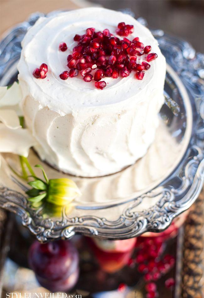 pomegranate seed wedding cake .... sweet perfection