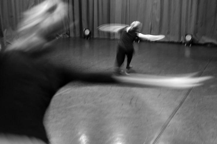 Photo @bart_krezolek #turn #twist #girls #dancers #dancersdoitbetter #krakow #contemporary #dance #contemporarydance #kcc #encek #taniec #kulturaKRK #bw #blackandwhite #blureffect #photooftheday #studio #best #place #home #work #gain