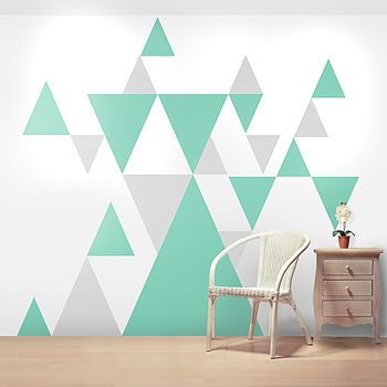 Vinilos geométricos de triángulos, gris claro y verde.