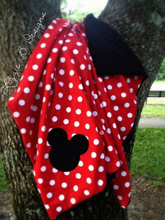 Mickey / Minnie Mouse Minky Blanket - Would be cute to make a tie blanket with these colors!!