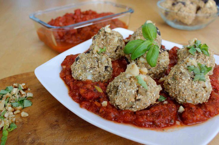 Rezept Kochen mit Haferflocken Auberginen-Hafer-Bällchen in Tomatensoße
