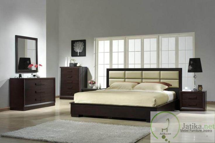 Set Tempat Tidur Minimalis Casual merupakan salah satu produk unggulan dari Toko Online Furniture Kami dibuat dengan desain yang casual namun tetap elegan.