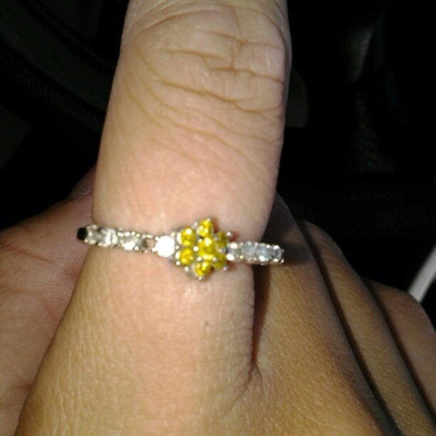 Awesome examples of the diamonds on line. look at more at http://pinterest.com/graemeinterest/diamonds-on-line/