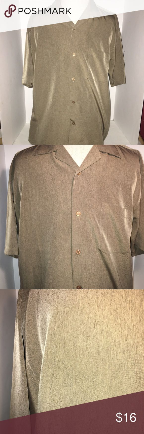 Men's short sleeve dress shirt Button down. One breast pocket. Silky soft. In excellent condition! Shirts Dress Shirts