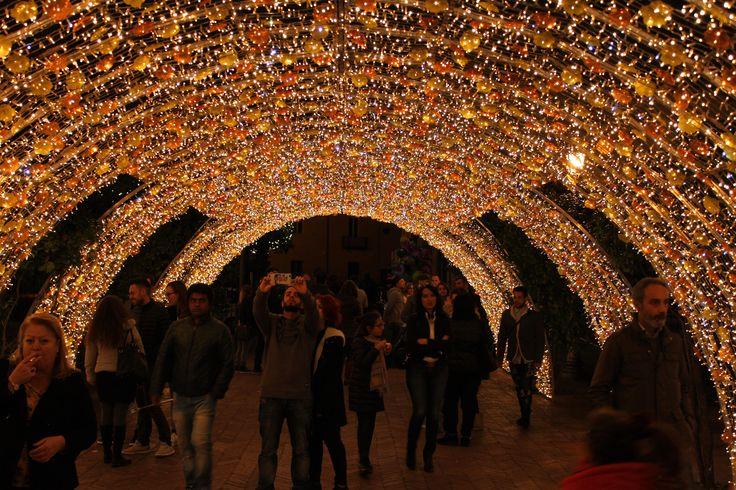 Villa Comunale a Salerno, Luci d'Artista  www.livesalerno.com  #lucidartista #lucidartista2015 #salerno #luminarie #lucidartistasalerno #mercatinidinatale #christmas #christmasmarket