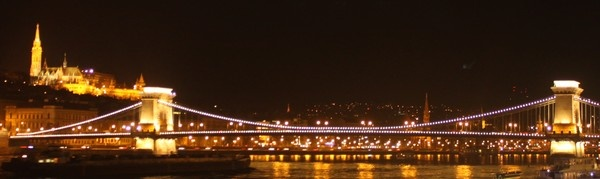 Chain Bridge and Matthias Church in Budapest by night!