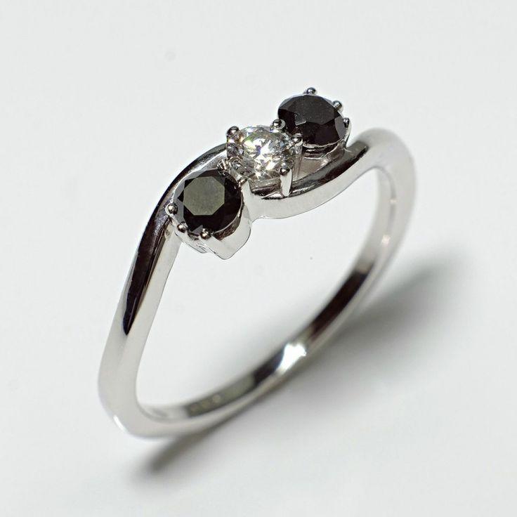 Inel de logodna ATCOM Lux cu safire si diamant ALBERT aur alb