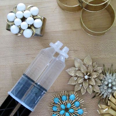 226 best diy napkin rings images on pinterest harvest table diy napkin rings from old brooches solutioingenieria Images
