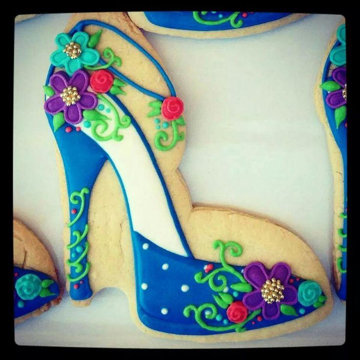 178 best galletas decoradas zapatos images on