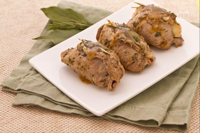 Veal Rolls with Parma Ham or Involtini di Vitello al Prosciutto http://therealitalianfood.com/veal-rolls-involtini/