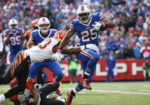Lesean Mccoy Photos - Cincinnati Bengals v Buffalo Bills - Zimbio