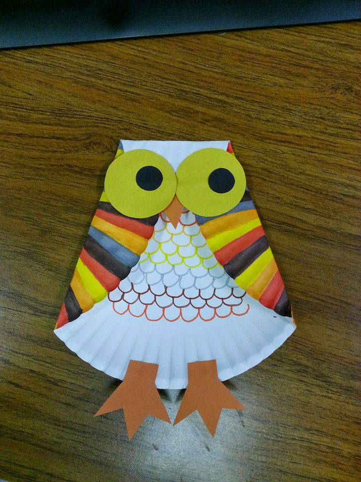 This little guy came out way better than I expected. I will be using this craft for a Fall craft day later this month.      What you need...