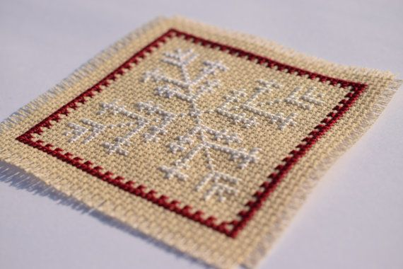 Snowflake cross stitch / Christmas cross by CraftwithCartwright