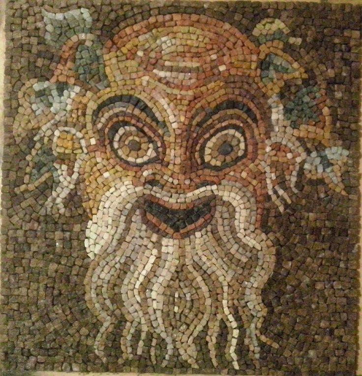 Copia del mosaico romano raffigurante un Fauno eseguita da Paola Monti. L'originale è conservato nel Museo Archeologico di Napoli.