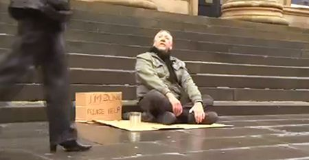 At the #Davines World Wide Hair Tour 2013 in Paris this short film was shown on stage. The power of words is truly powerful! People Ignored This Blind And Homeless Man's Sign Until A Stranger Changed It For Him :)  #Davines #WWHT2013 #compassion #payitfforward
