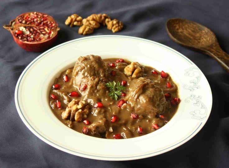 Fesenjoon - perské kuře s ořechovou omáčkou a granátovým jablkem  // Ochutnejte svět - blog mezinárodní kuchyně
